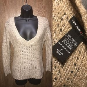 New York And Company Size Small Sweater